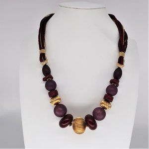 VTG Casual Corner Wine and Gold Tone Necklace